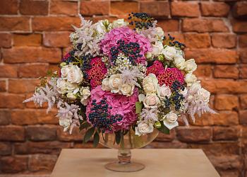 Дезайнерские цветы купить оригинальное подарок на юбилей 50 лет женщине
